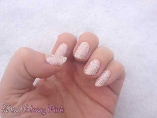 swatch embrace the lace essie