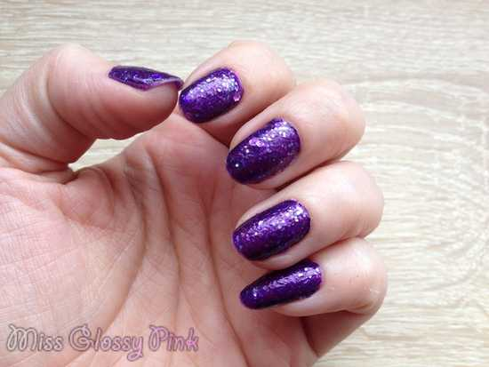 swatch vernis violet shourouk sephora